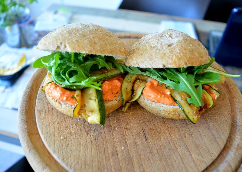 Broodje met Paprika Spread