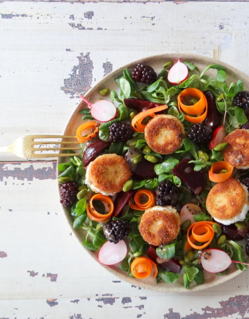 Salade van gebakken geitenkaas, rode biet en bramen CULINEA www.jaimyskitchen.nl