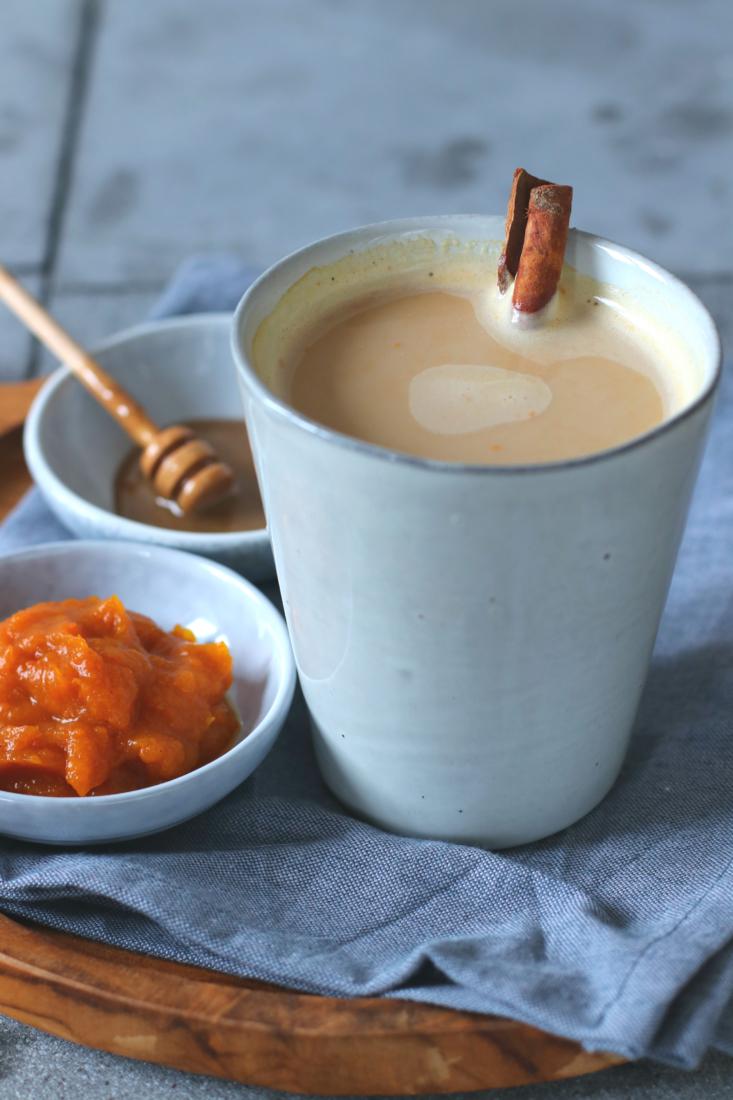 Pumpkin Spice Latte met espresso en amandelmelk www.jaimyskitchen.nl