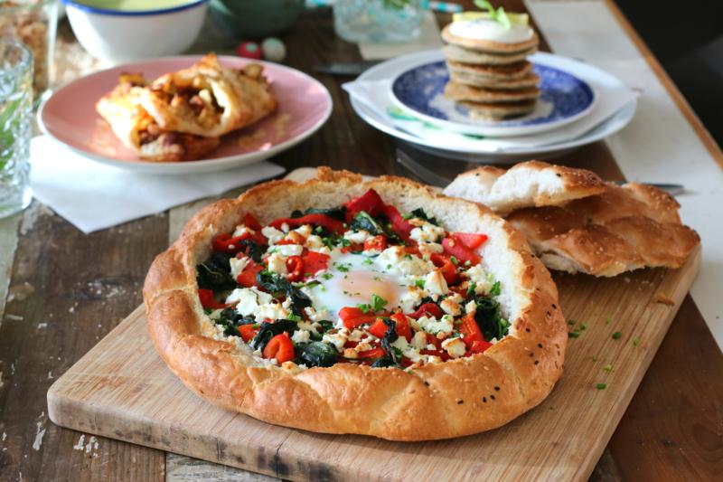 Gevuld Turks brood met feta spinazie en paprika www.jaimyskitchen.nl