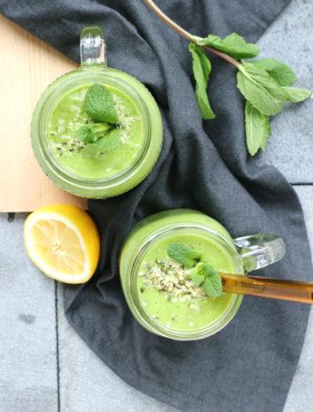 Groene smoothie met kiwi spinazie en avocado www.jaimyskitchen.nl