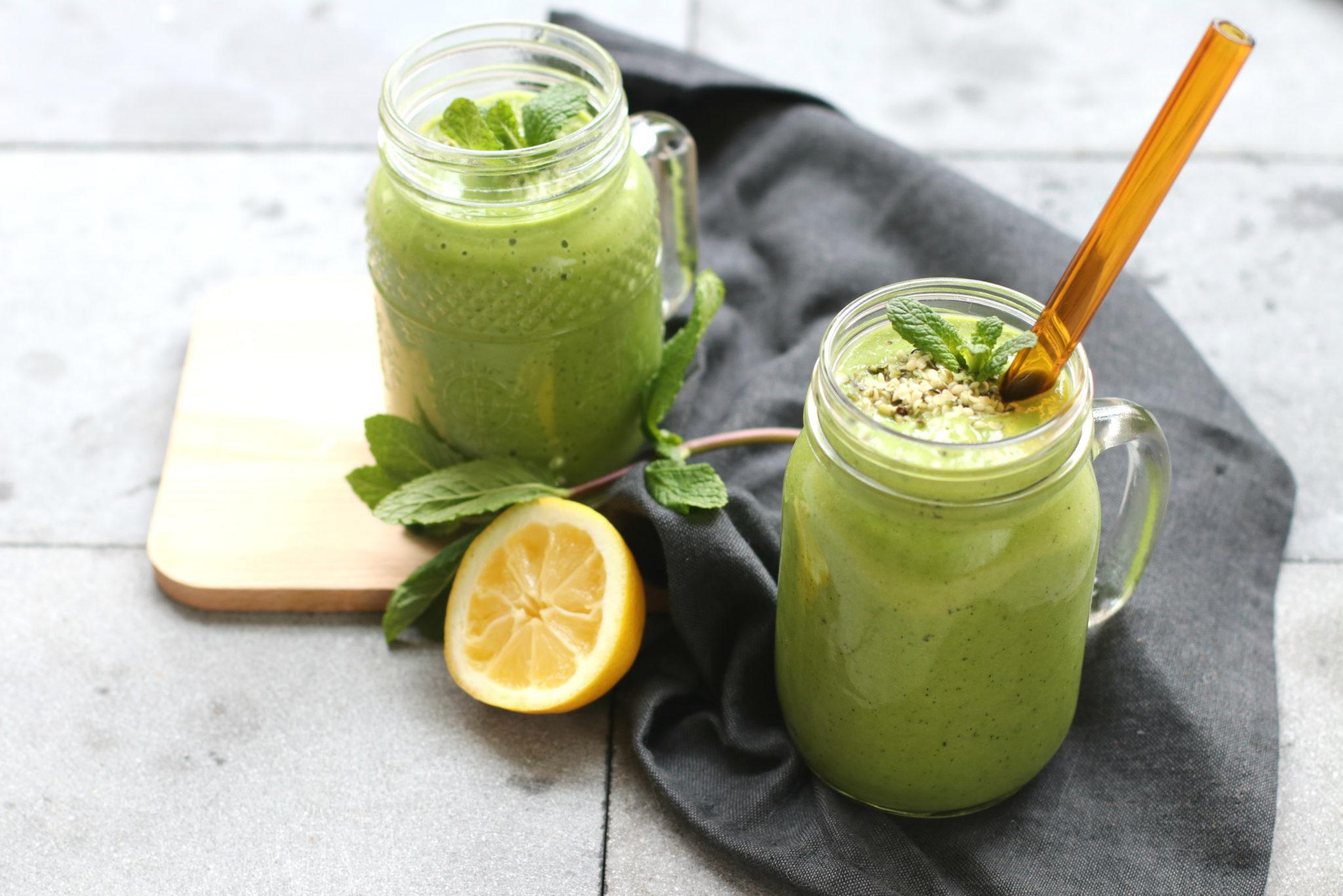 Recept groene smoothie met munt en kiwi www.jaimyskitchen.nl