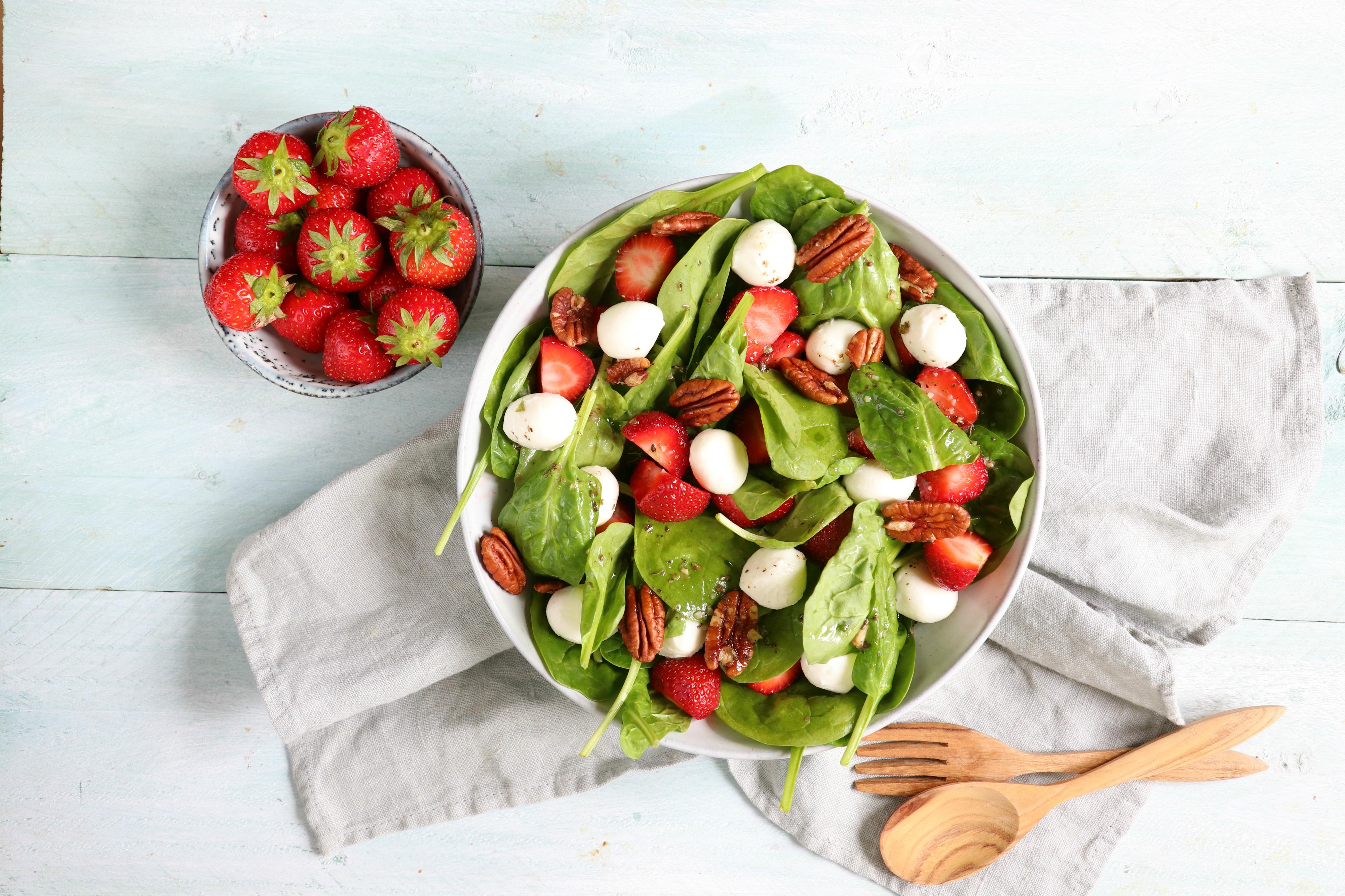 Recept salade met spinazie en aardbei www.jaimyskitchen.nl