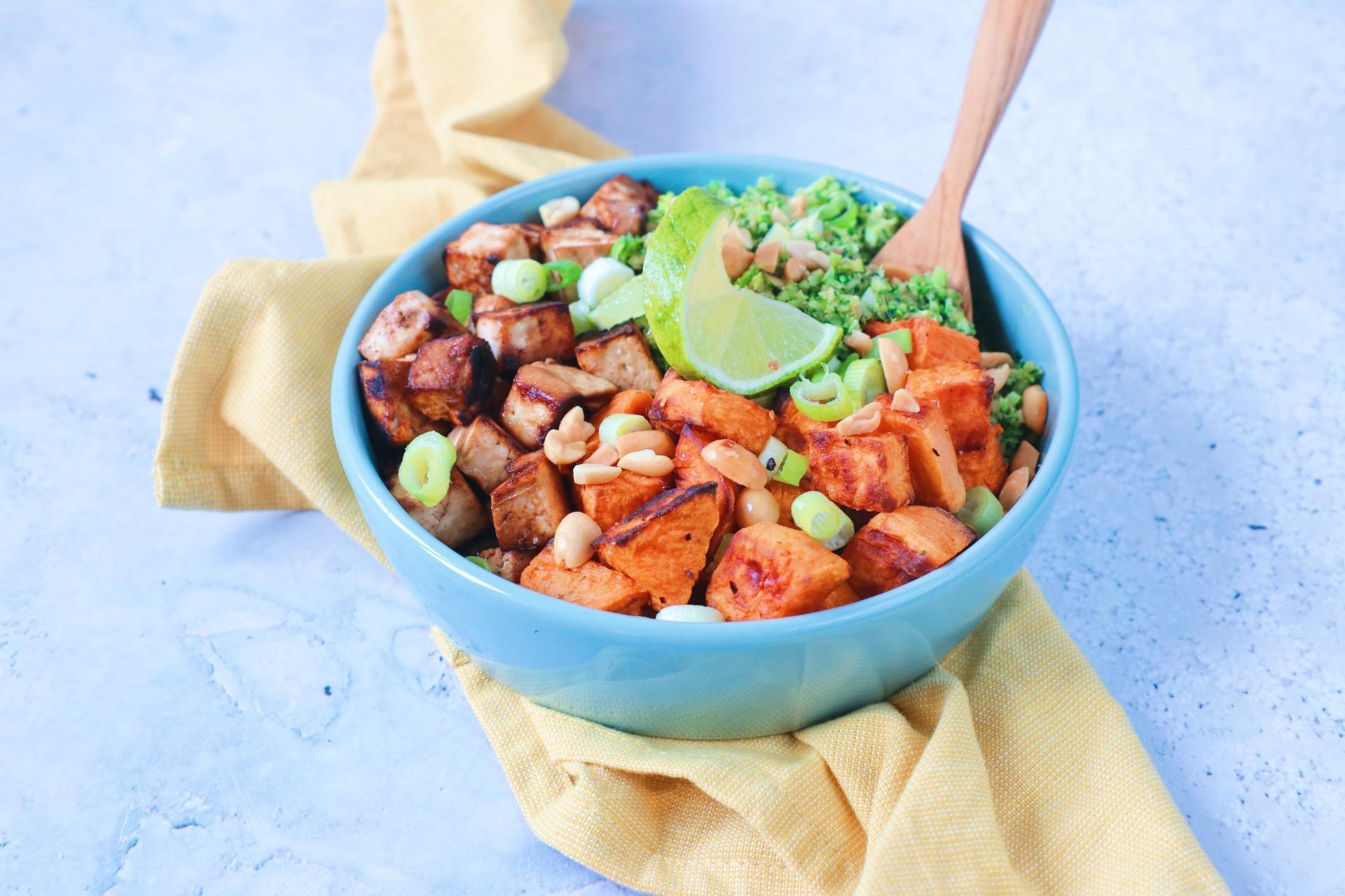 Recept broccoli rijst met zoete aardappel en tofu www.jaimyskitchen.nl