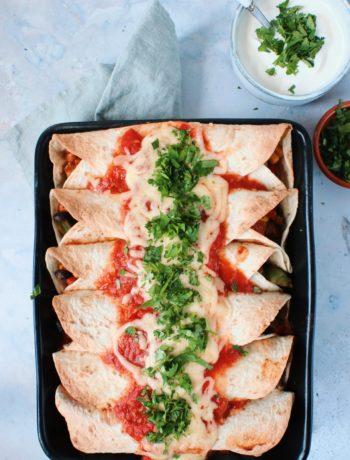 Enchiladas met zwarte bonen www.jaimyskitchen.nl
