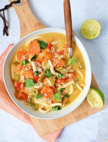 Udon noedel en kokos soep met groenten www.jaimyskitchen.nl